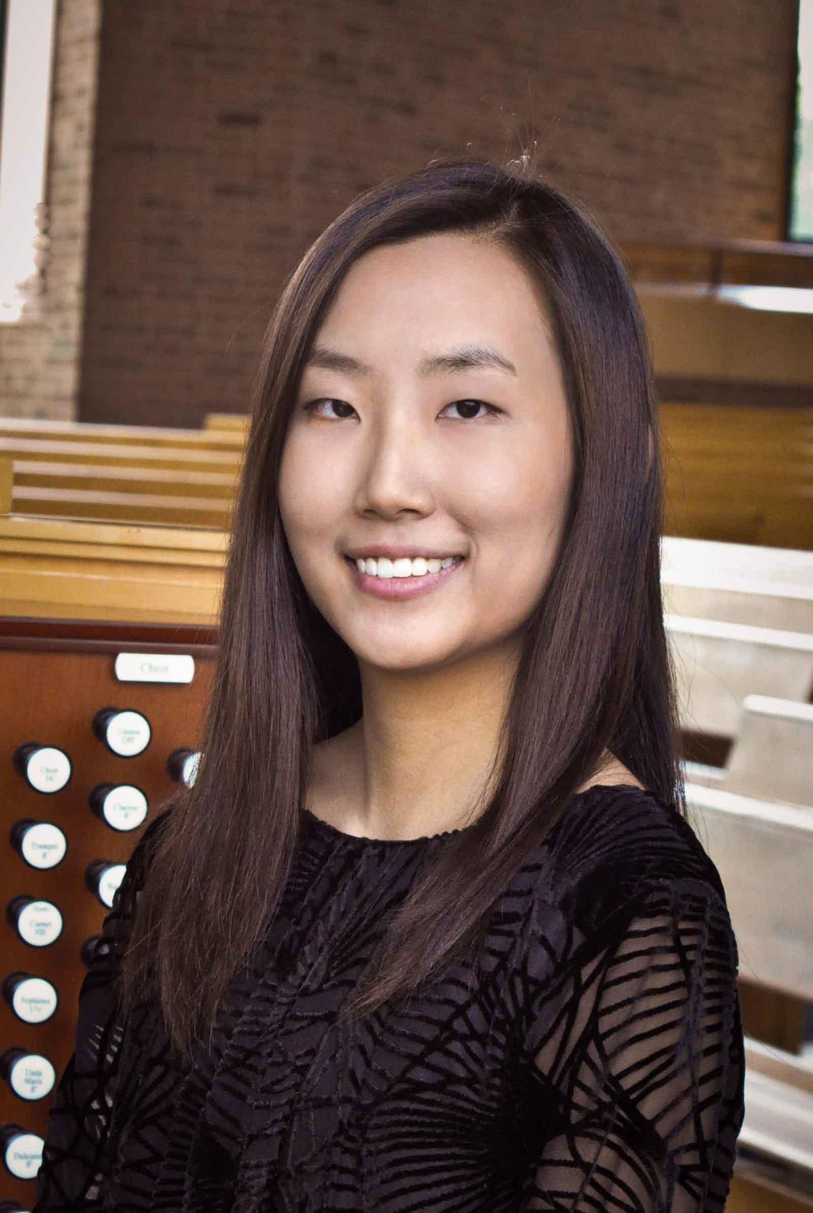 <b>Jessica Park</b> - Jessica-Park-1
